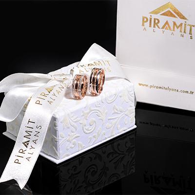 Piramit Alyans